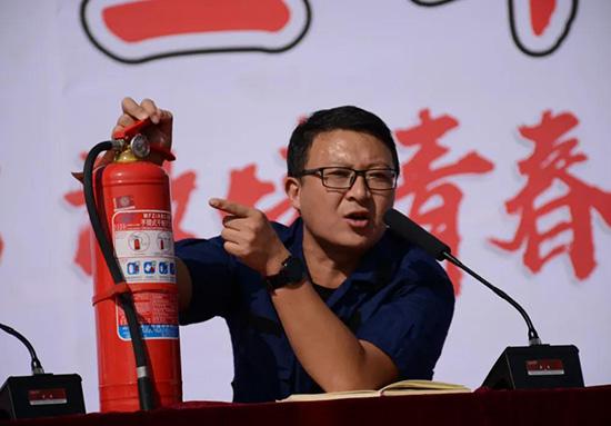 消防急救进校园 健康平安永相伴 | 郓城县高级技工学校举行消防急救演练活动